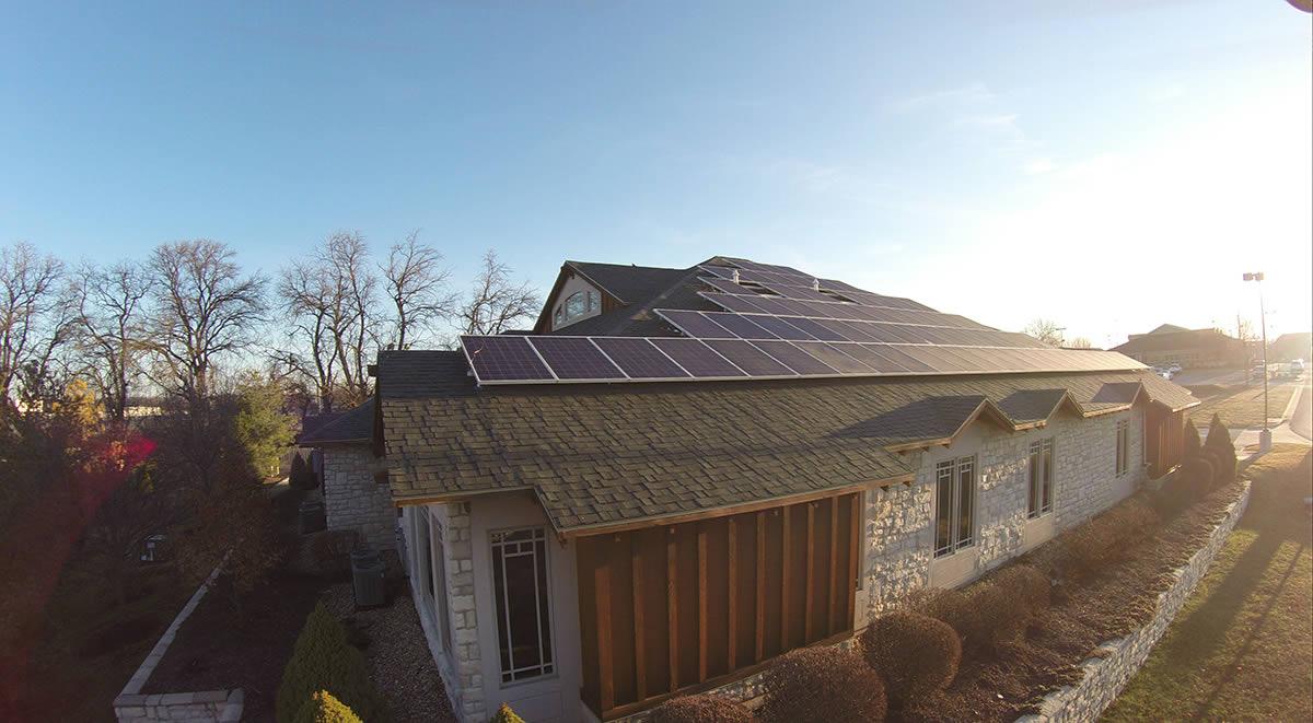 business-solar-panel-install